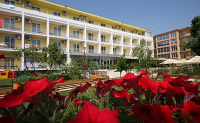 Hotel Central Mamaia World Travel Group